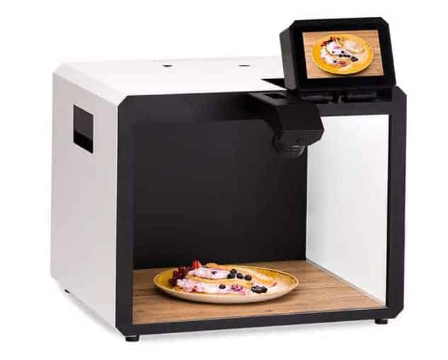 Full automatic photo studio with light and lens. For product/food photography